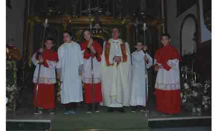 Cinco monaguillos acompañaron a la Hermandad de San Antón en la procesión