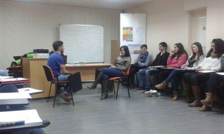 El Ayuntamiento de Caravaca promueve la igualdad y el aprendizaje de Lengua de Signos con cursos formativos