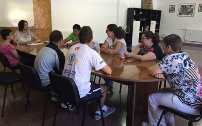"""Diez usuarios de APCOM participan en el taller """"bien-estar-bien"""""""