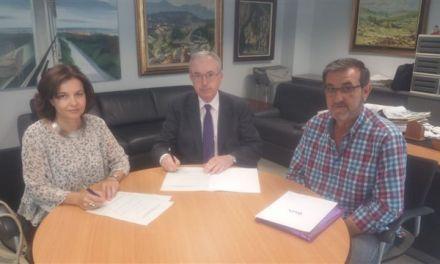 """Firmado un convenio de colaboración entre la """"Asociación de Socias Protectoras de las Hermanitas de los Ancianos Desamparados"""" y la FUNDACIÓN CAJAMURCIA"""