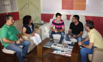 El Concejal de Deportes agradece al piloto Bart Sánchez que dé a conocer el nombre de Cehegín fuera de nuestras fronteras
