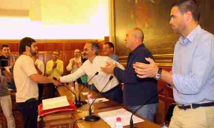 Cristian Castillo Bernal toma posesión de su acta de concejal del Ayuntamiento de Caravaca