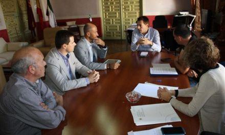 El Alcalde de Cehegín se reúne con la Unidad de Aceleración de Inversiones del Info buscando la colaboración para fomentar la actividad empresarial