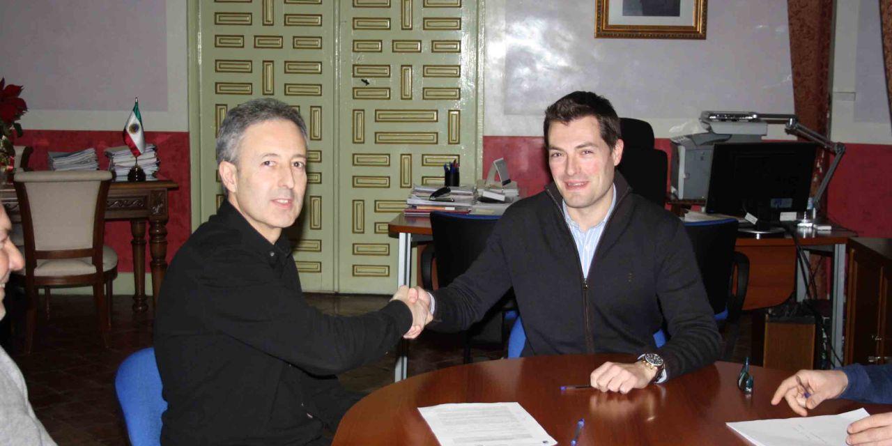 El Ayuntamiento de Cehegín firma un convenio con Betania para que realicen prácticas en viveros y jardines