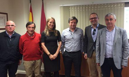 Los empresarios del calzado de la comarca presentan un proyecto europeo para mejorar la formación del sector