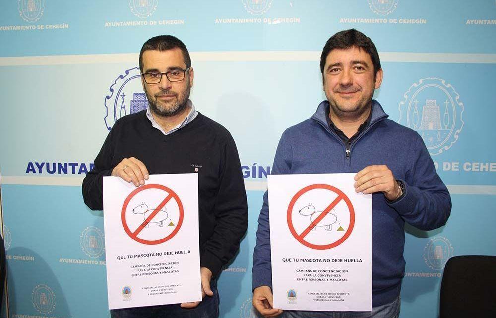 El Ayuntamiento de Cehegín lanza la campaña «Que tu mascota no deje huella» y recuerda las sanciones a propietarios