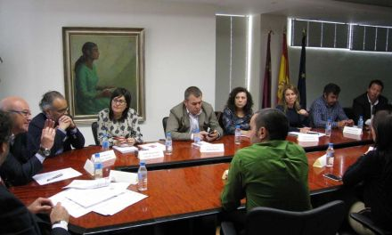 Los alcaldes del Camino de la Cruz se reúnen con el Consejero de Turismo para planificar el año Jubilar