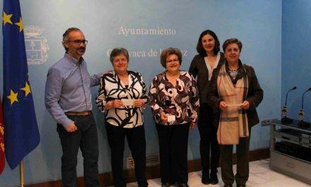 El Ayuntamiento entrega la subvención a las delegaciones de Cáritas en Caravaca