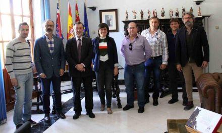Fotógrafos profesionales de la región defienden sus derechos ante el Alcalde de Caravaca