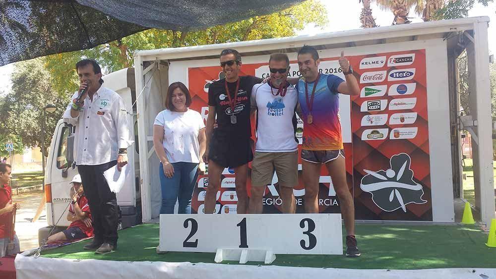 Los atletas del CD Filippedes  compiten en Lobosillo