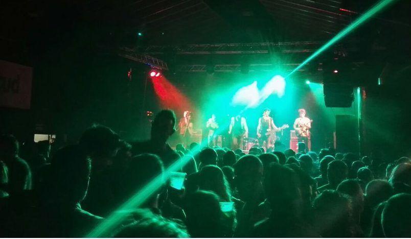 El Bullrock reúne a un numeroso público deseoso de escuchar rock y heavy metal