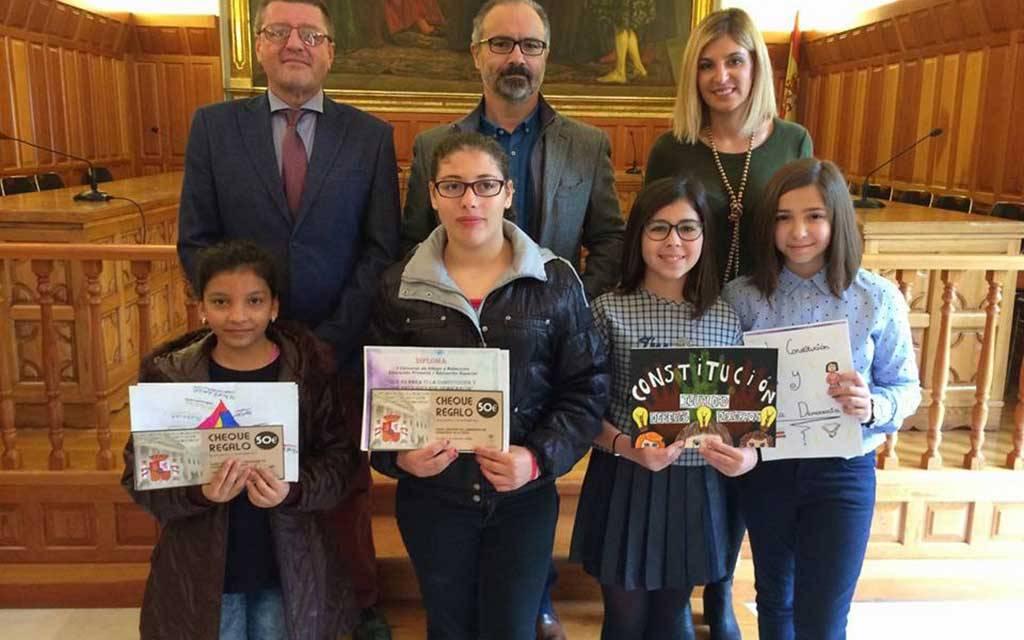 La Concejalía de Educación fomenta los valores democráticos entre los escolares caravaqueños