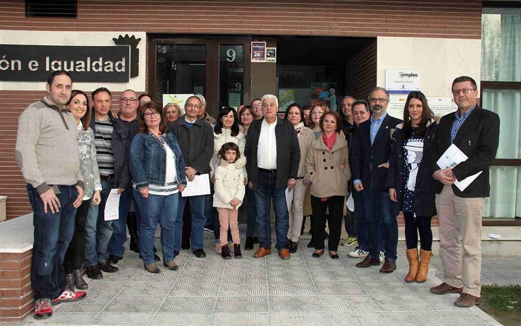 El programa de empleo 'Mantenimiento de espacios públicos' realiza 40 obras de mejora y accesibilidad en el casco urbano de Caravaca