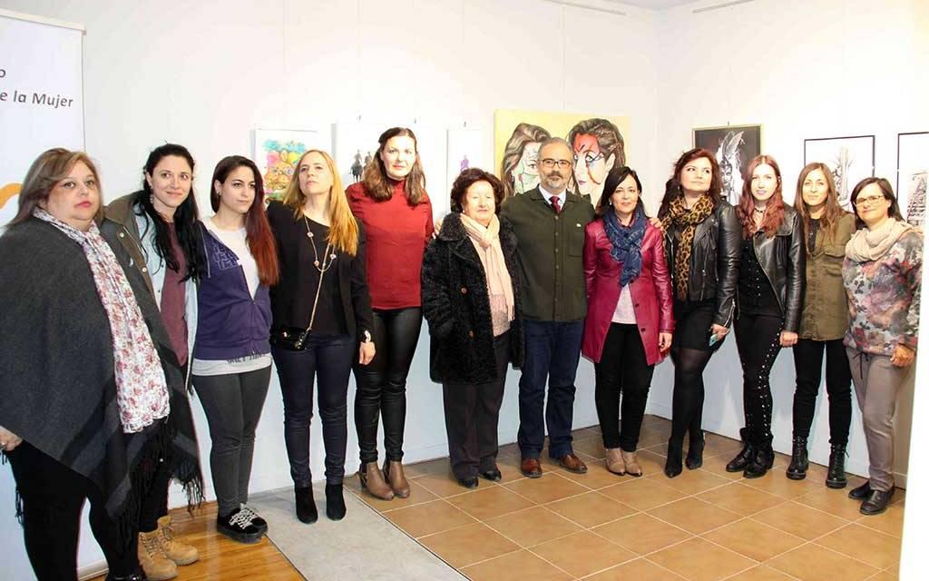 Pintoras caravaqueñas exponen en el Museo Carrilero con motivo del ´Día de la Mujer'