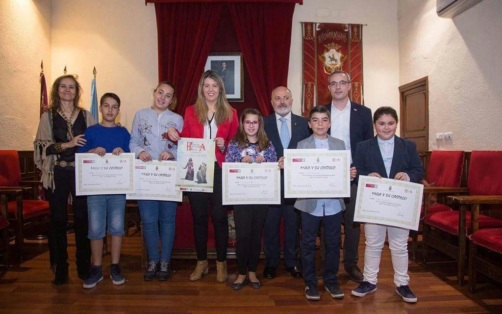 Laura Rodríguez gana el primer premio del concurso de dibujo «Mula y su Castillo»