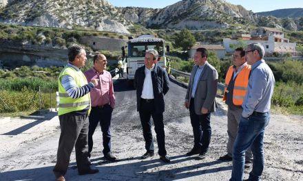Continúan los arreglos en las carreteras del término municipal de Mula