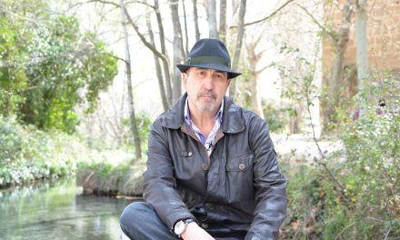 """""""Salvación tiene mucho de sutura en el alma para seguir viviendo"""", Miguel Sánchez Robles"""