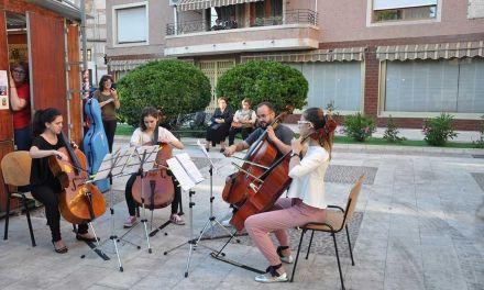 Con música del Conservatorio y autores caravaqueños abre la Feria del Libro que continúa hoy con un cuentacuentos a cargo de Imaginia