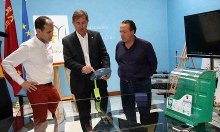 La Federación de Fútbol entrega al Ayuntamiento de Caravaca siete desfibriladores para las instalaciones deportivas