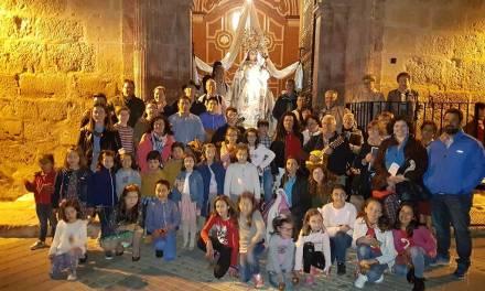Cánticos en Mula para dar la bienvenida al mes de mayo