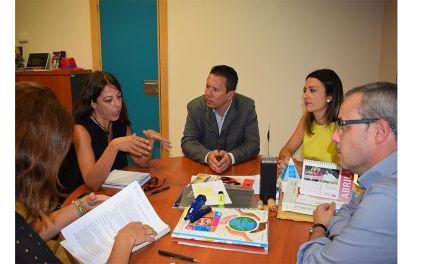 Reunión informativa sobre convenio de voluntariado universitario entre la Universidad de Murcia y el Ayuntamiento de Mula