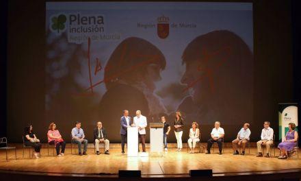 Cultura y Plena inclusión hacen del Auditorio regional el escenario de la solidaridad