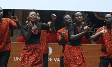 Concierto benéfico de la soprano Maristela Gruber y Aba Taano el domingo en la iglesia de los PP. Carmelitas