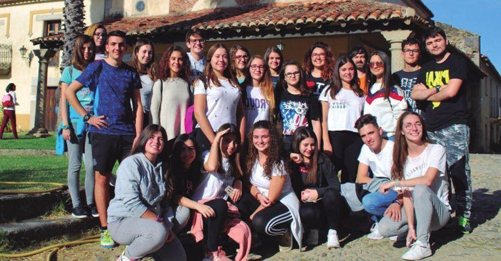 """Alumnos y profesores del IES San Juan de la Cruz participan en el programa de """"recuperación y utilización educativa de pueblos abandonados"""""""