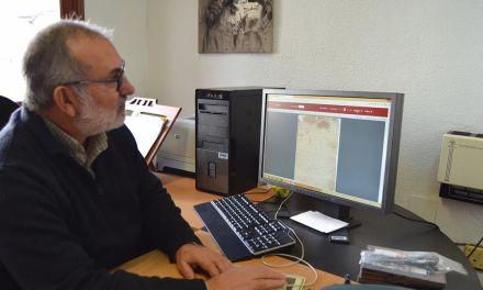 «Me gustaría que llegarán a fotografiarse los libros de elecciones del Concejo», José Boluda, archivero y bibliotecario de Mula