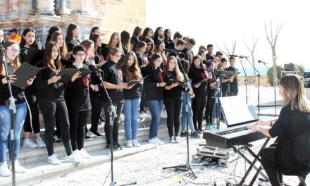 Unos 700 alumnos cantan en Caravaca dentro del Encuentro de la Red de Coros Escolares 'Cantemus'