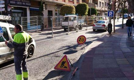 El Ayuntamiento de Cehegín sustituye los imbornales de la Carretera de Murcia por unos nuevos para eliminar el ruido que provocaban