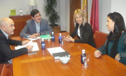 La Alcaldesa de Campos del Río solicita al consejero de Salud mejoras en materia sanitaria del municipio