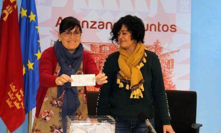 La Concejalía de Comercio de Caravaca premia a través de dos concursos a los clientes de la actividad 'Compras navideñas'