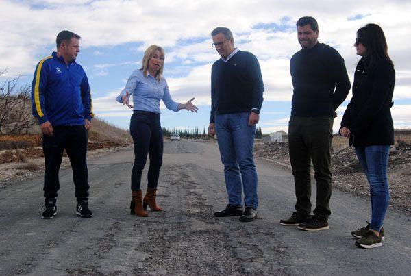Diego Conesa y María José Pérez Cerón acompañan a los vecinos de la Plataforma por el arreglo definitivo de la RM - 531