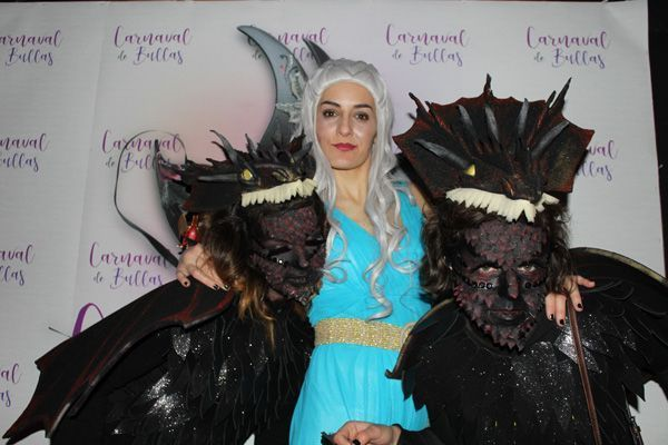 Khaleesi y sus dos dragones