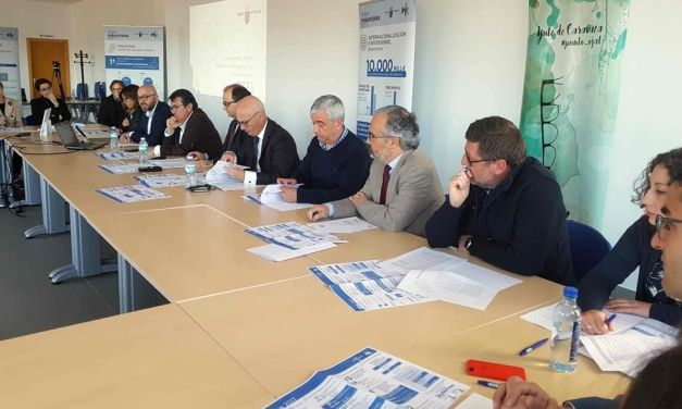 Unas 40 firmas de calzado y complementos del Noroeste se reúnen en la asociación Calzia para conocer el plan de impulso industrial y tecnológico del INFO