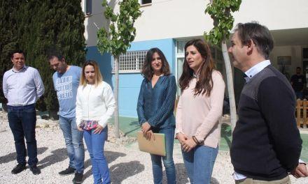 """Los usuarios del centro de Betania reciben los diplomas de los cursos del programa """"Empleo con apoyo"""""""