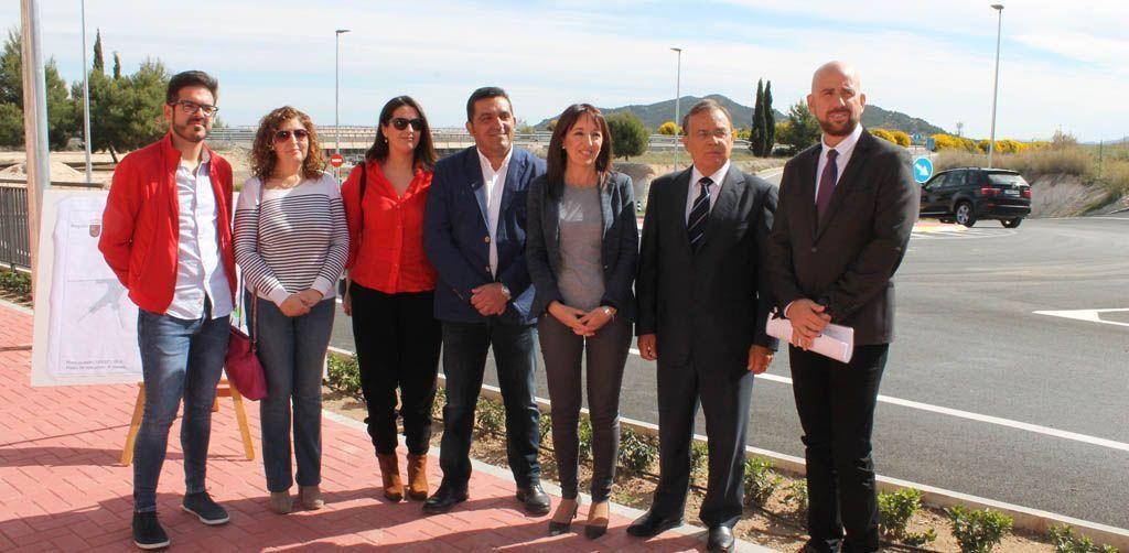 Nueva rotonda que mejora el tráfico y la seguridad de los vecinos en la carretera de La Copa