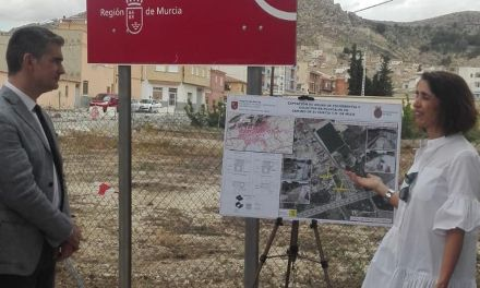 El consejero Miguel Ángel del Amor visita las obras del colector de pluviales de Mula
