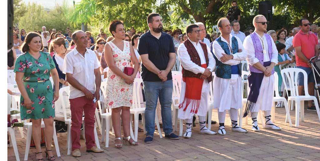 Flores y bailes en honor a San Abdón y San Senén