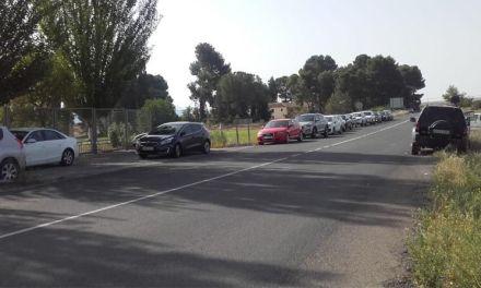 Padres de alumnos del Oróspeda piden que se delimite un aparcamiento en el instituto