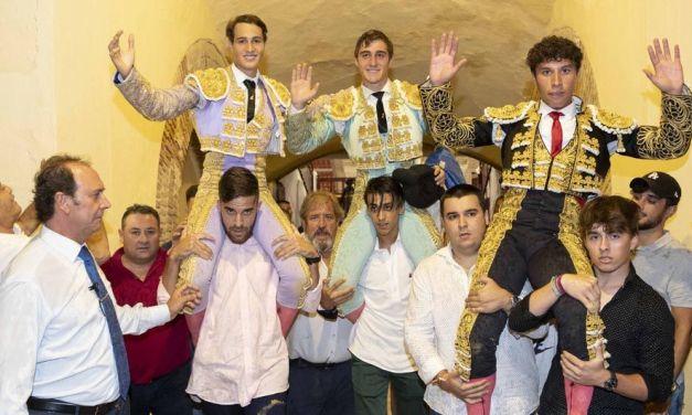 Trigueros, Jordi Pérez y Juan José Fernández cortan dos orejas en la clase práctica de Murcia