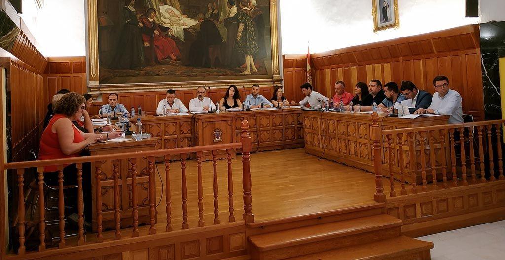 El PP considera que ofrece alternativas a la falta de proyecto y decisiones del Gobierno de José Moreno