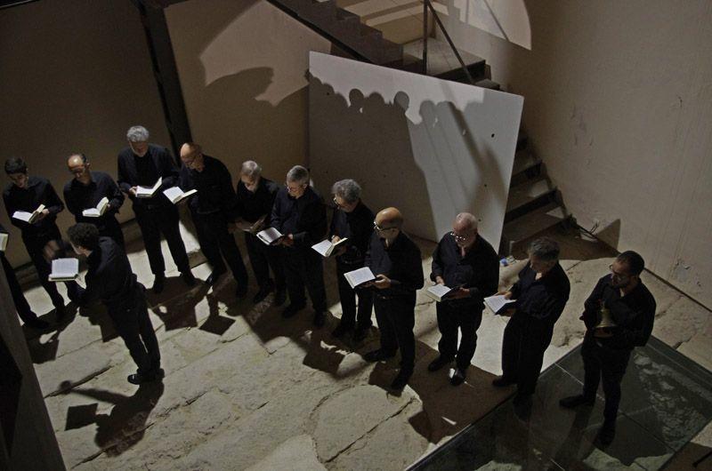 Coro sobre basamento romano. Foto JD. Morenilla