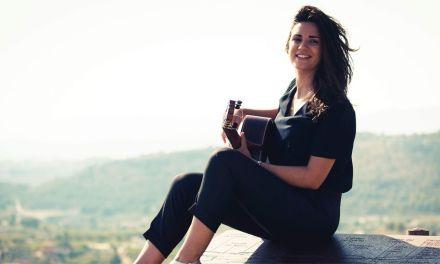 «La guitarra y la música era lo único que sabía que de una forma u otra iba a estar presente en mi vida», María Bastida actúa en el ciclo Jóvenes Solistas