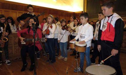 Alumnos de Cervantes celebran en el Ayuntamiento de Caravaca el Día Universal del Niño