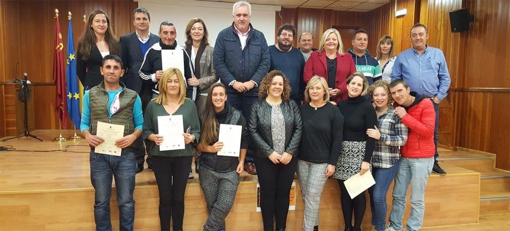 Un programa del SEF forma y emplea en albañ ilería a 15 desempleados de Moratalla