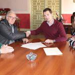 El Ayuntamiento y la AECC de Cehegín firman un nuevo convenio para utilizar el local de la Casa de la Cultura