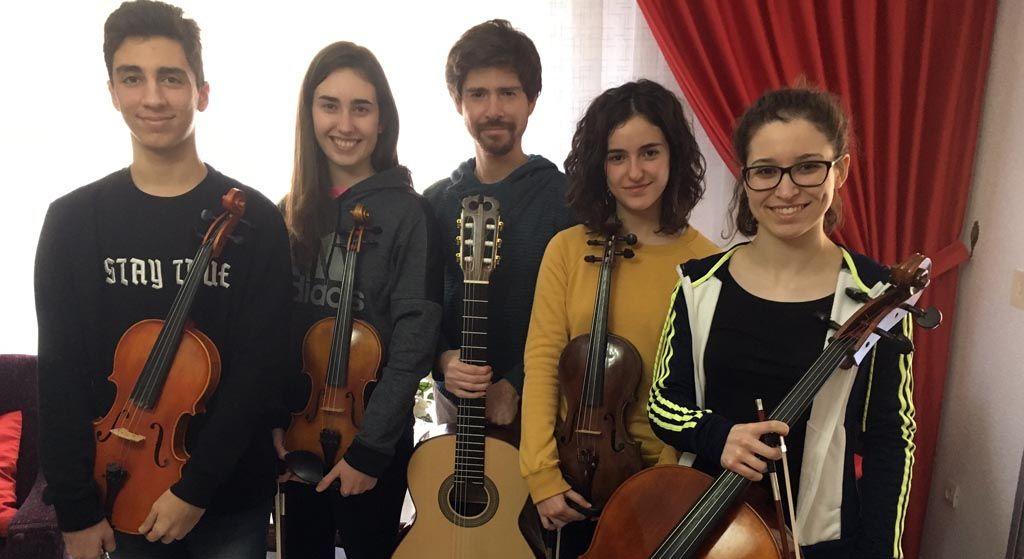 Ramón Vergara estrena en Caravaca el quinteto para guitarra y cuerdas 'Baladas del Decamerón Negro', del compositor cubano Leo Brouwer