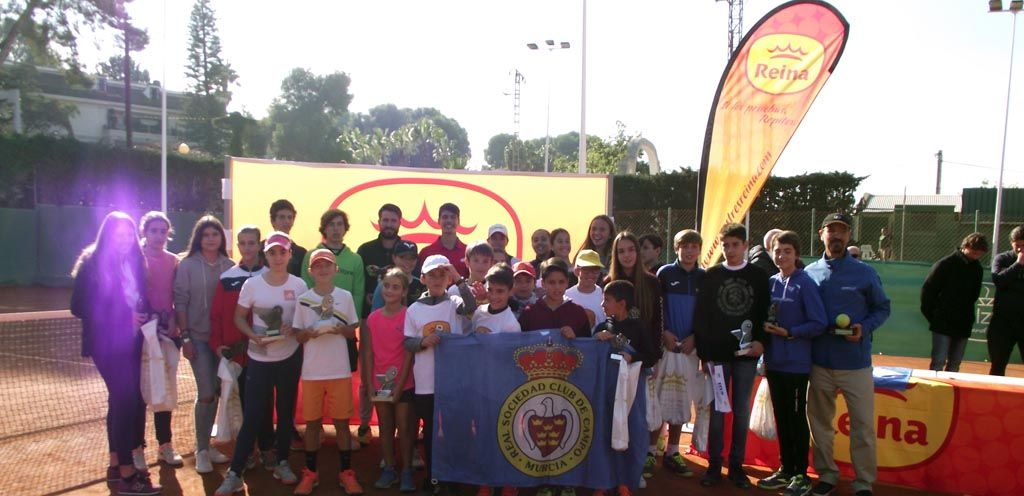 """El doble """"Torneo de Tenis Postres Reina"""" vuelve a ser un éxito y bate récord de participación"""